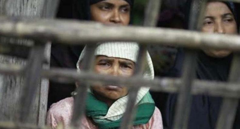 মিয়ানমার বাহিনীর ছোড়া নিক্ষেপ, ২ রোহিঙ্গা নারী নিহত