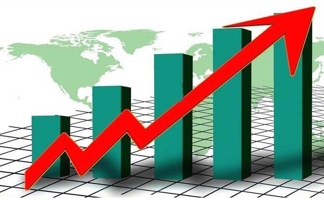 চাপ সামলে এগিয়ে যাচ্ছে অর্থনীতি