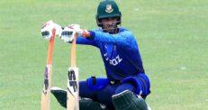 'টেস্টের অবসর' নিয়ে মুখ বন্ধই রাখলেন মাহমুদউল্লাহ